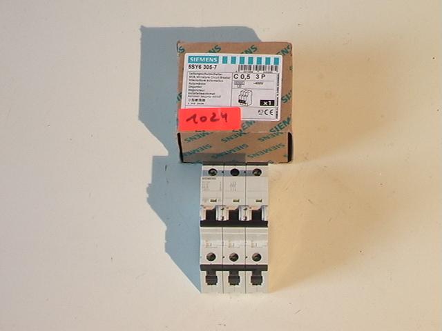 Siemens , 5SY6-305-7 ,